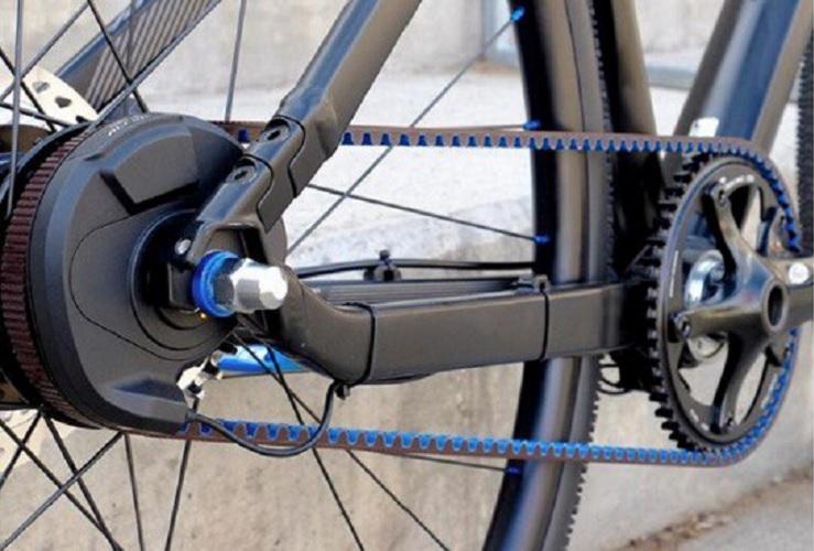 El nuevo reto de la bicicleta: la silenciosa correa de goma frente a la cadena grasienta